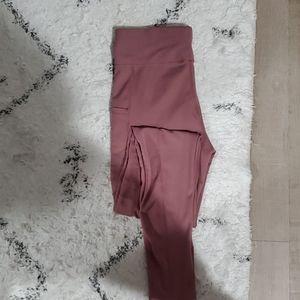 Gym leggings, side pockets